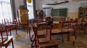 Újra kellene indítani az iskolai oktatást az alsósoknak?