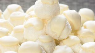 Fehér csokis túrógombócok – desszertként és gyümölcslevesek mellé is tálalhatod