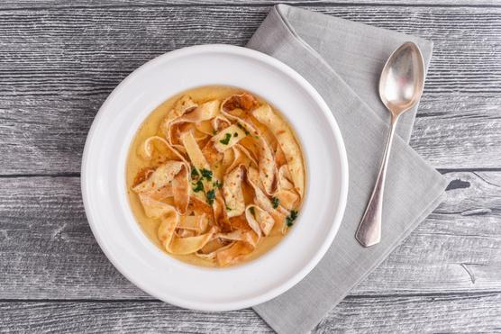 Fokhagymás változatban sós leveseket tehetsz tartalmasabbá vele.