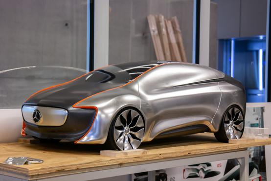 Mint látható, a Mercedes adja a projektfeladatokat