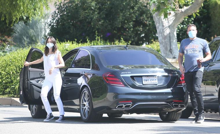 Ben Affleck ugyanis egy Mercedes S63-mal lepte meg Armast