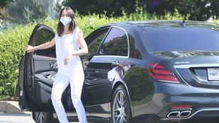 Ben Affleck a közös nyaklánc után luxusautót vett a barátnőjének