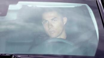 Megérkezett a Juventushoz Cristiano Ronaldo, orvosi vizsgálaton esett át