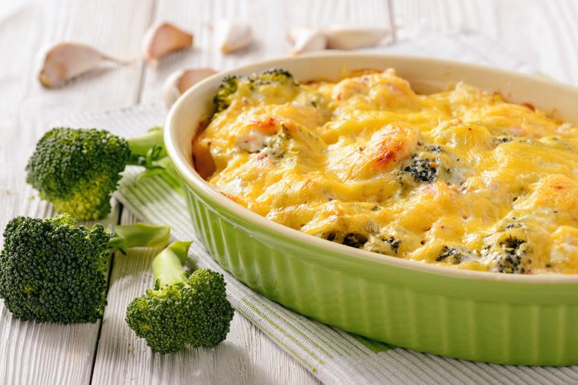 Brokkolis rakott krumpli: fokhagymás tejszínnel, dupla adag sajttal fenséges