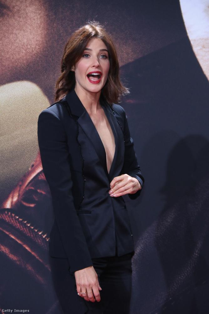Bár elmondása szerint szeret eltérő szerepekbe bújni, végül a férje győzte meg, hogy vállalja a szerepet, aki hatalmas Marvel-fan