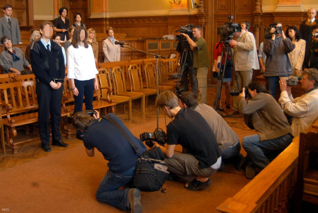 Első fokú ítélethirdetés a Fővárosi Bíróságon 2003. április 29-én