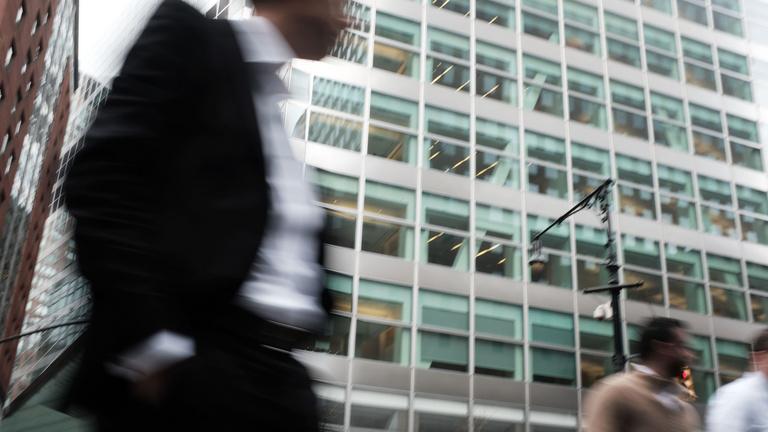 Újra kulcsszerepben a hitelminősítők: lehet őket utálni, csak nem érdemes