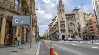 Több kilométernyi járdát szélesítenek ki Barcelonában