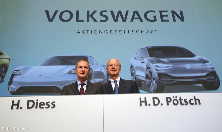 Herbert Diess és Hans Dieter Pötsch a Volkswagen egy 2018-as találkozóján Berlinben