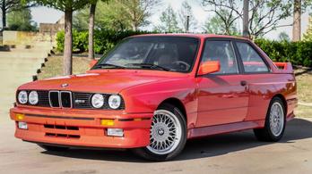 48 millió forintért kelt el Paul Walker BMW M3-asa