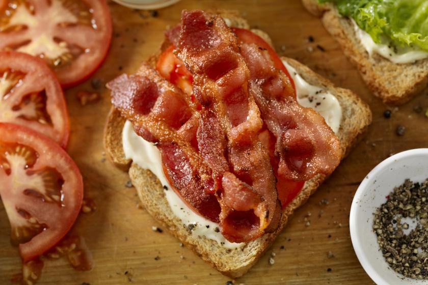 bacon kenyérrel belső