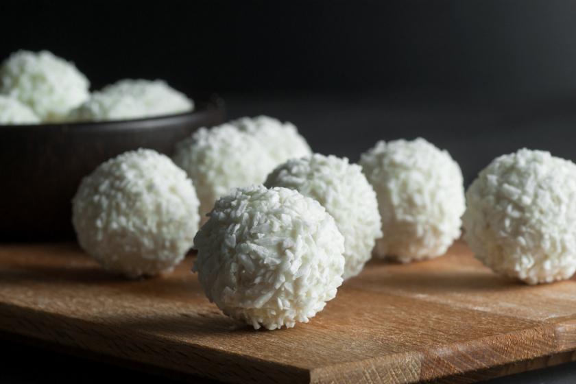 fehér csokis kókuszgolyó recept