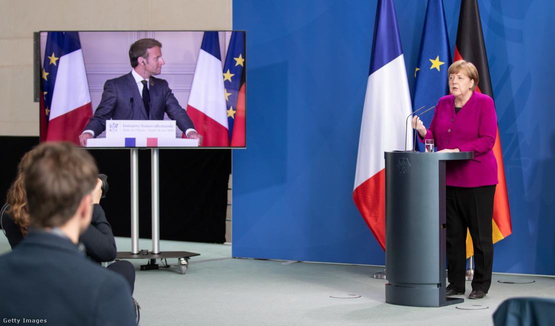 Angela Merkel és Emmanuel Macron sajtótájékoztatója 2020. május 18-án. A videókonferencián a koronavírus-járvány okozta gazdasági válság enyhítése érdekében teendő lépéseket vitatták meg.
