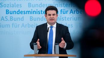 A német húsiparban betiltják a kelet-európai munkások kizsákmányolására épülő vállalkozói modellt