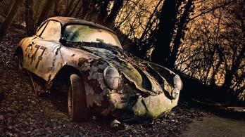 Tíz elképesztő fotó elhagyott autókról