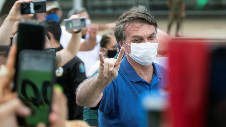 Brazíliában két vírus tombol: a Covid-19 és Bolsonaro