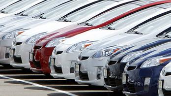 Óriási összeggel támogatná az EU a tisztább autókat