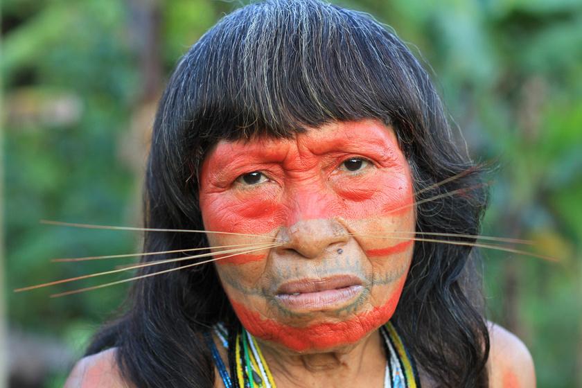 Egészen furcsa, mit tartanak szépnek a perui falu lakói: macskabajuszt hordanak a nők, hogy vonzók legyenek