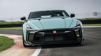 Megmutatták az olasz szuper-Nissant
