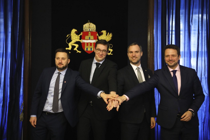 Matus Vallo, Karácsony Gergely, Hrib Zdenek és Rafal Trzaskowski a V4 fővárosok polgármestereivel
