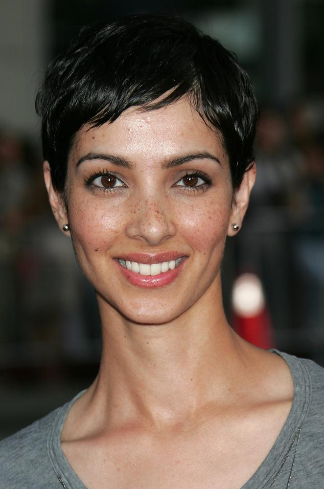Sonita HenryBizonyos pletykák szerint Sonita Henry volt az első ismert nő, akivel Brad Pitt randizgatott