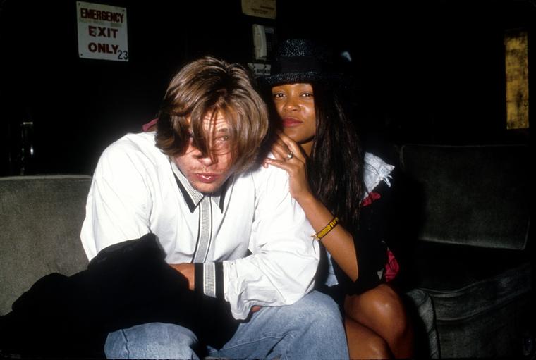 Robin GivensÚgy bizony, Brad Pittnek Mike Tyson volt feleségével is volt egy kis légyottja - azonban akkor még nem volt hivatalos a válás