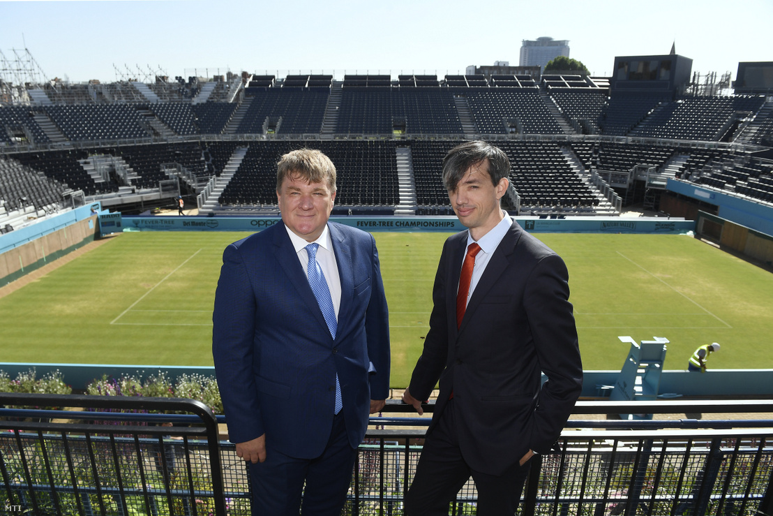 Szűcs Lajos (balra) és Richter Attila, a Magyar Tenisz Szövetség főtitkára a londoni Queen's Tennis Clubban tartott sajtótájékoztató előtt 2019. június 27-én