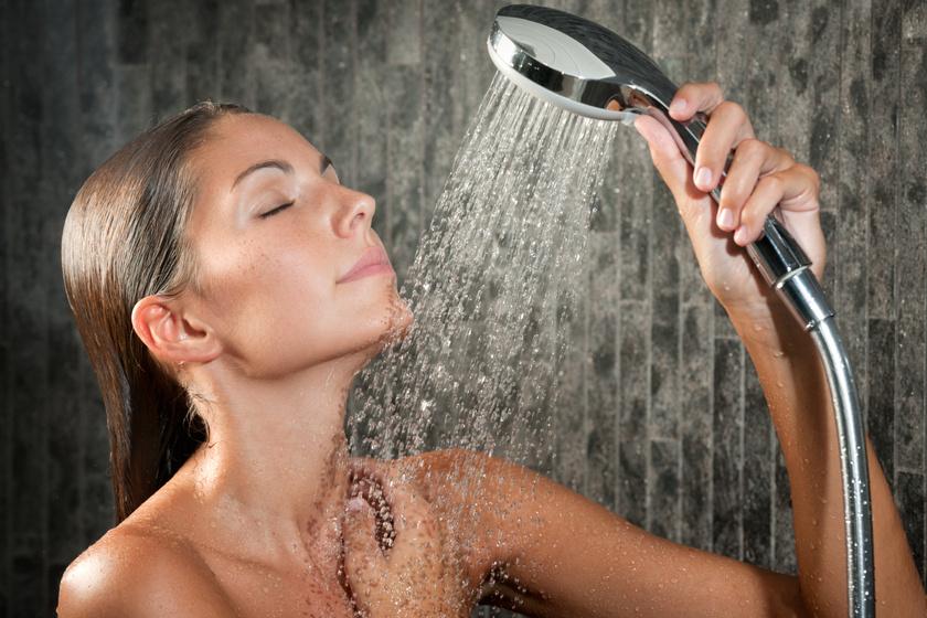 Milyen gyakran kell zuhanyozni a bőrgyógyász szerint? Ennyi tusolás a legjobb a bőrnek