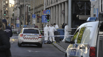 Két embert halálra késeltek a Deák téren