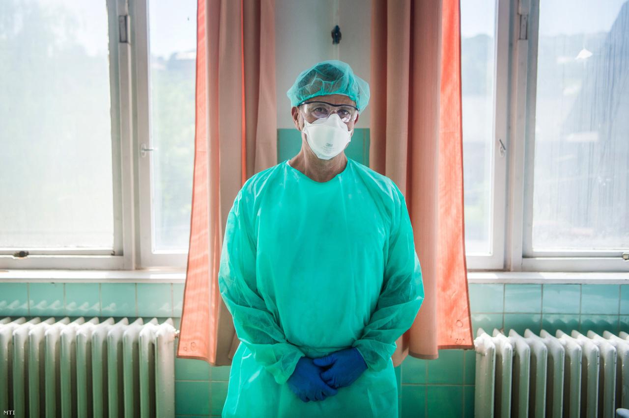 Nyiri Péter fõorvos a Szent János Kórházban.