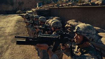 Tálibok vadásznak Orlando Bloomra és Clint Eastwood fiára