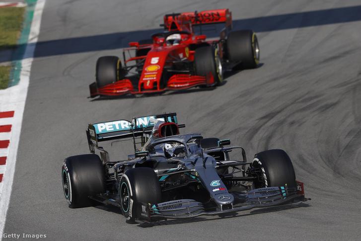 Sebastian Vettel és Valtteri Bottas a téli teszteken.