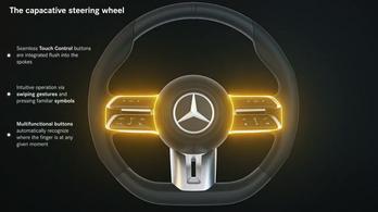 Kapacitív tapintásérzékelő kerül a Mercedesek kormányába