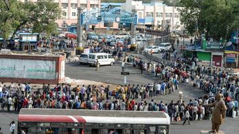 2600 különvonattal visznek haza 3,6 millió indiai munkást