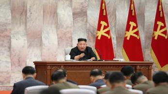 Kim Dzsongun három hét után újra előkerült