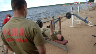 Oroszországban majdnem 350 ezer koronavírusos van, de újranyitnak az edzőtáborok