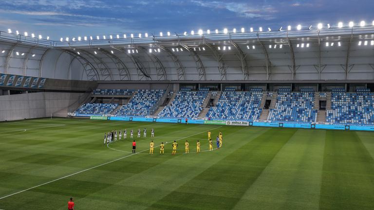 Hétvégi haveri focimeccsek hangulata a kupaelődöntőben