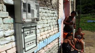 Nyakunkon az áramszegénység