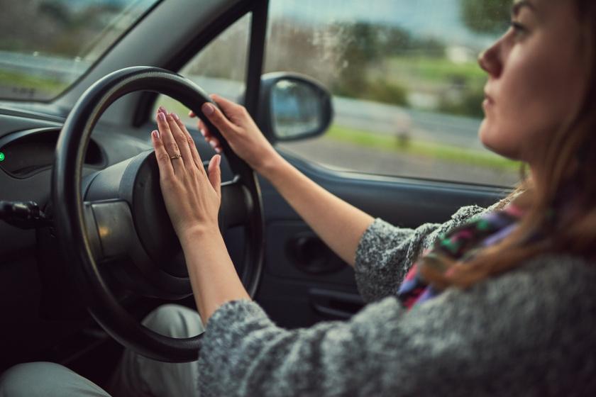 Ezért kell most a szokásosnál is óvatosabbnak lenni az utakon - A rendőrség figyelmeztet