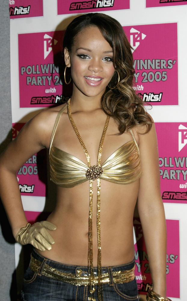 Idén májusban 15 éve, hogy megjelent Rihanna első kislemeze, a Pon de Replay