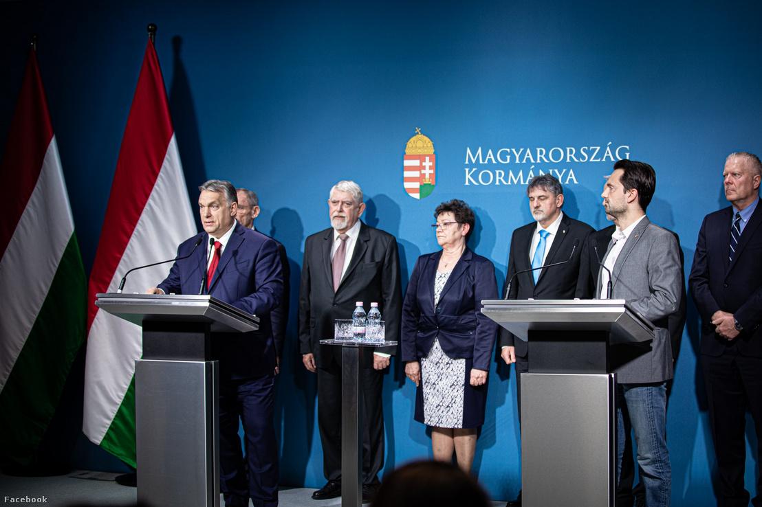 Orbán Viktor miniszterelnök a koronavírus-fertőzés elleni védekezésért felelős operatív törzs ülése után tartott sajtótájékoztatón Budapesten 2020. március 5-én