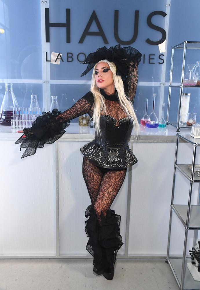 Ezt követően, talán Rihanna példáját követve, Gaga is belekóstolt a szépségiparba, és saját márkás kozmetikai termékeket dobott a piacra
