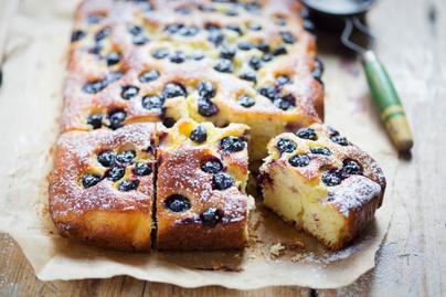 Könnyű citromos kevert süti  joghurttal és olajjal: még a piskótánál is puhább