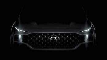 Kitátja a száját a Hyundai Santa Fe