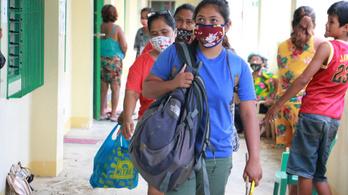 Amíg nincs vakcina, addig nem nyitják újra az iskolákat a Fülöp-szigeteken