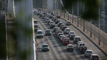 Jövőre is elveszik a gépjárműadót az önkormányzatoktól