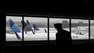 Öntik a pénzt a kormányok a légi közlekedés életben tartásába