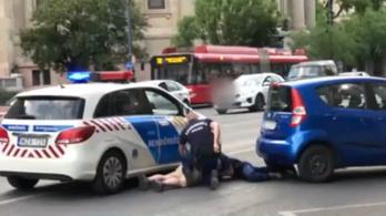 Letartóztatták a rendőrök elől menekülő suzukis férfit, akit egy futár állított meg