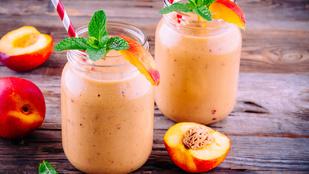 Gyömbéres-őszibarackos smoothie – ezzel még a legnagyobb kánikula is elviselhető