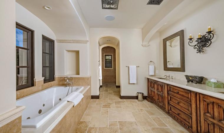 Ha pedig fürdőzésre kerül sor, megtehetik mindezt egy letisztultabb...